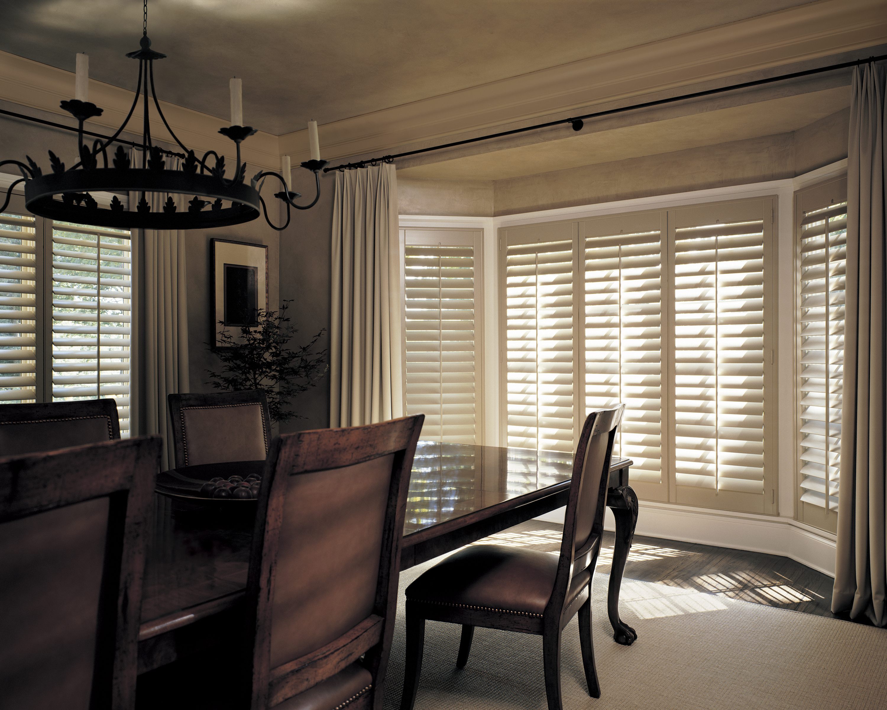 Shutters with Drapes.Jpeg